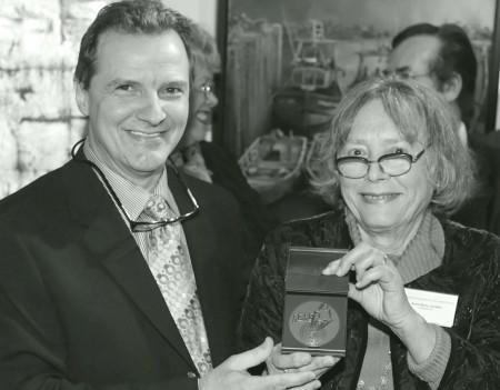 Charles Carson en Compagnie de Mme Anne Marie Laurès présidente du Salon des arts de Paris en 2007