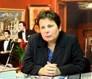 Béatrice Szepertyski, directrice et fondatrice du Laboratoire LAE Centre d'analyses et d'expertises en archéologie et œuvres d'art de grands maîtres, implantés dans le quartier des Chartrons, en plein cœur de Bordeaux.